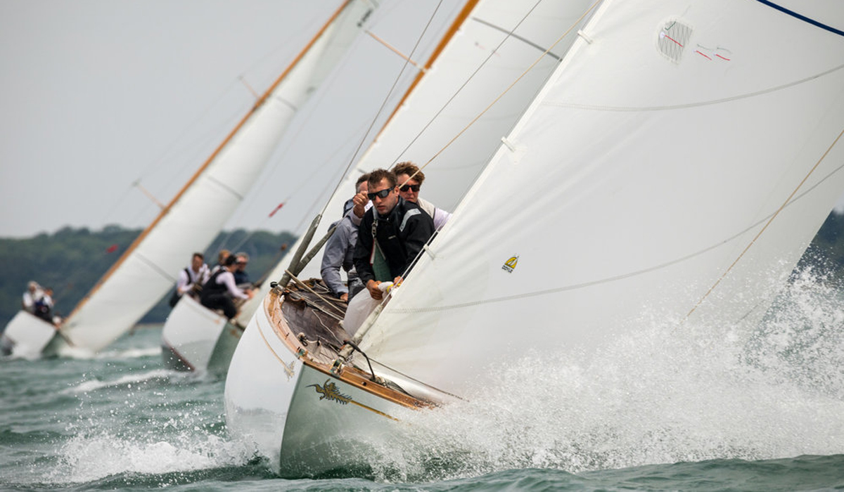 FAST-PACED ROUND-THE-CANS RACING ON DAY FOUR OF PANERAI BRITISH CLASSIC WEEK